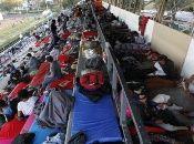 Los migrantes arriban en precarias condiciones de salud, debido al cansancio producido por las largas horas de camino.