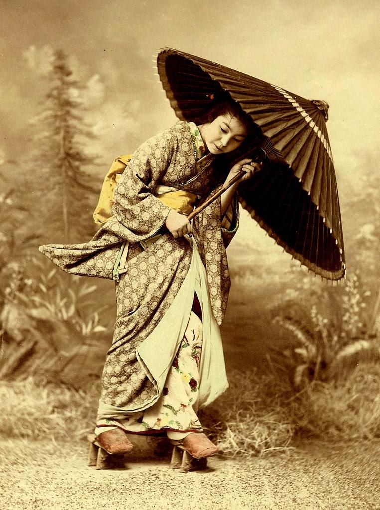 http://chicquero.files.wordpress.com/2012/03/international-womens-day-chicquero-geisha-japan-3.jpg?w=800