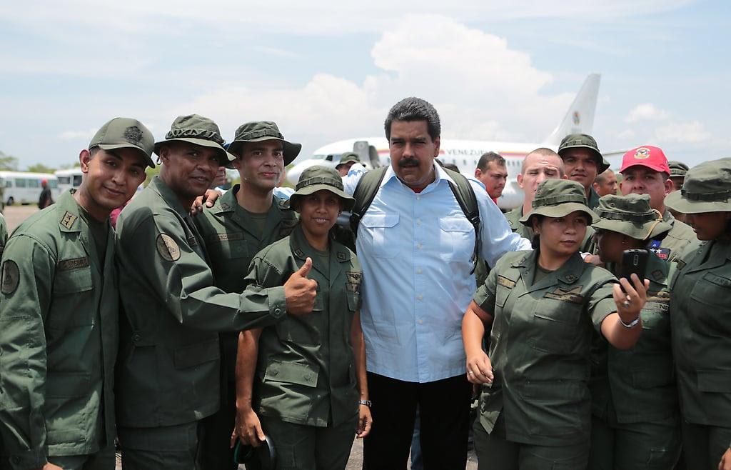 """""""Hago el llamado más sincero y profundo a toda Venezuela, a nuestra Fuerza Armada Nacional Bolivariana, y es por eso que he ordenado en el marco del Plan de Ejercicios Militares del 2015, hacer un ejercicio el próximo sábado 14 de marzo""""."""