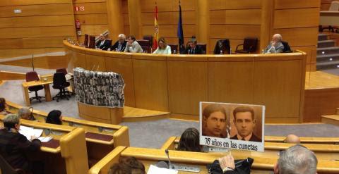 Acto en el Senado con todos los grupos parlamentarios, menos el PP, para pedir una comisión de la verdad./ A. F.