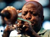 """Se conoce como """"jazz blanco"""" la interpretación del estilo por parte de los blancos estadounidenses."""