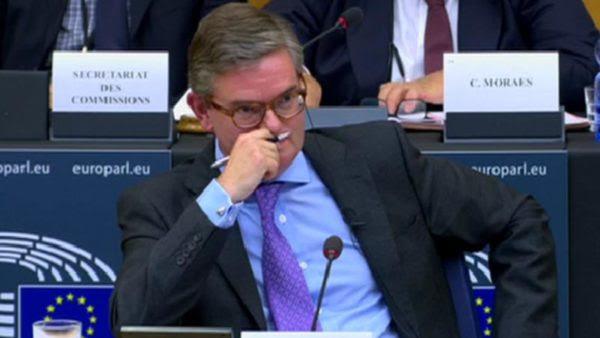 Σερ Τζούλιαν Κίνγκ σε ευρωβουλευτές: «Η αφοσίωσή μου θα είναι στην ΕΕ»
