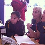 Minister Nikki Kaye joins in a Japanese class with students from Mangere Central School at the launch of N4L.