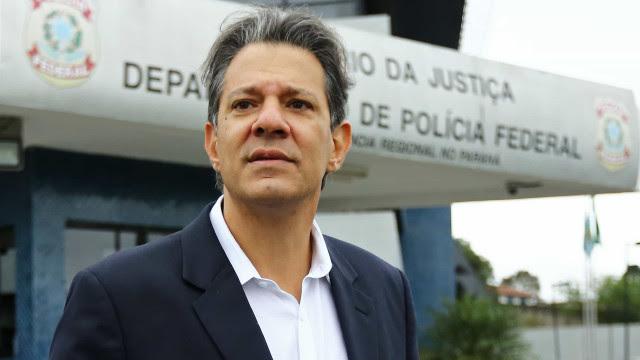 Candidatura de Lula em 2022 é uma decorrência natural, diz Haddad