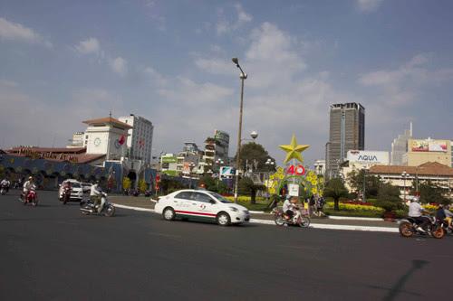 Sài Gòn, chợ hoa, tết Ất Mùi, vắng lặng, du xuân, hạ giá