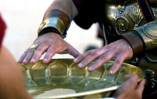 Παγκόσμιο δέος: Βρέθηκε δαχτυλίδι του Πόντιου Πιλάτου - Η επιγραφή είναι γραμμένη στα ελληνικά (φωτο)