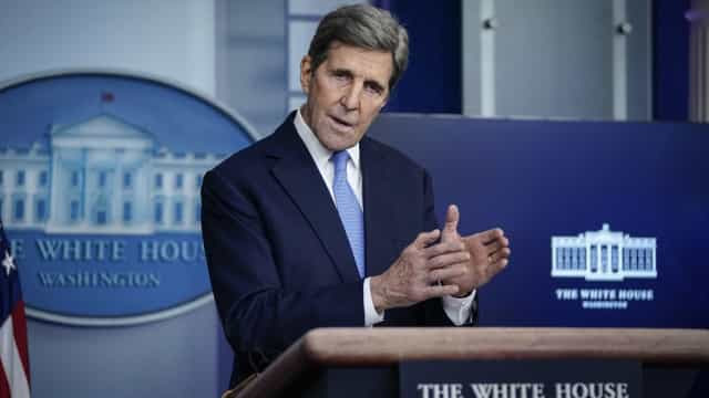 Mundo tem última chance de impedir catástrofe climática, diz Kerry
