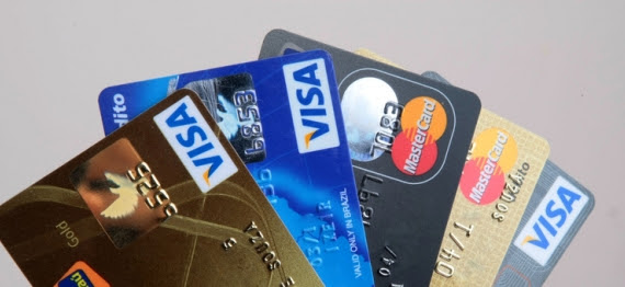 Cerca de 59% dos usuários de cartão de crédito desconhecem a taxa de juros