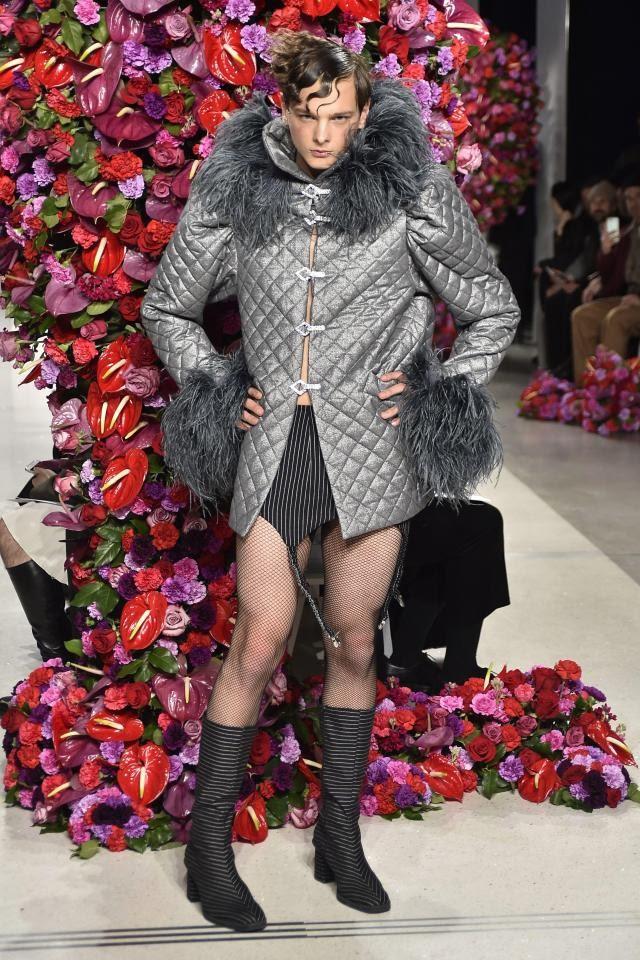 Похоже, человечество на грани вымирания…В                           Нью-Йорке прошел показ мужской моды