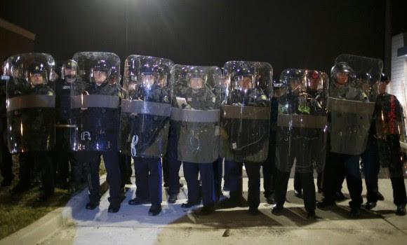 Estallan protestas en Ferguson132