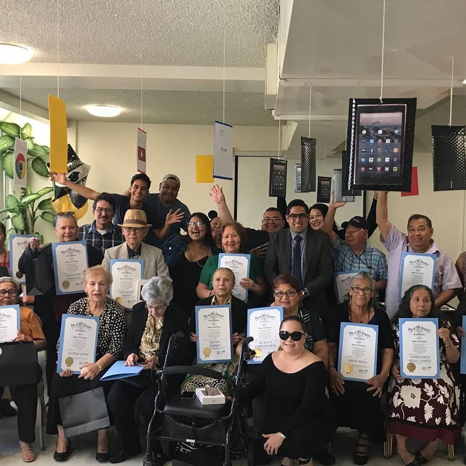 Seniors Graduate Puede Center