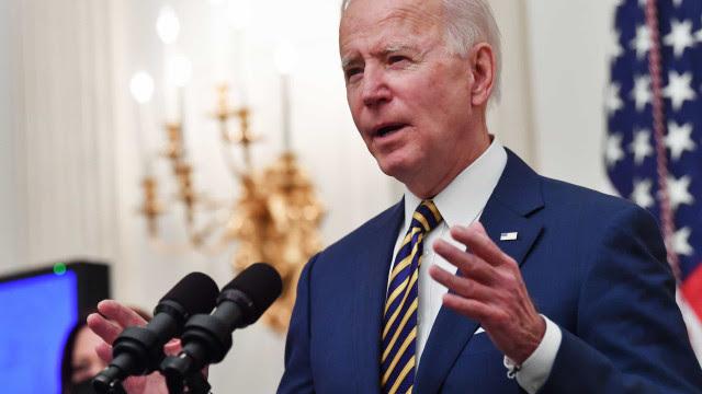 Maior fluxo de migrantes nos EUA em 20 anos atrapalha planos de Biden