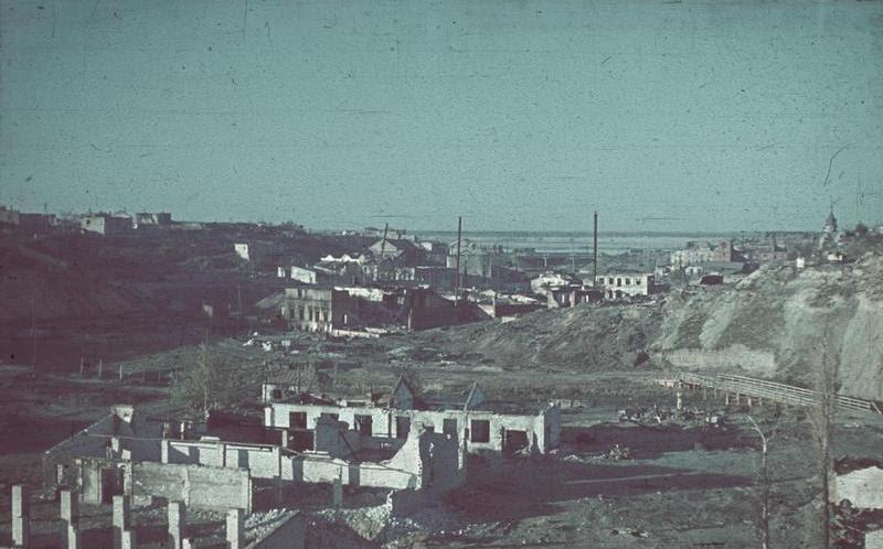 File:Bundesarchiv Bild 169-0882, Russland, Blick auf Stalingrad.jpg