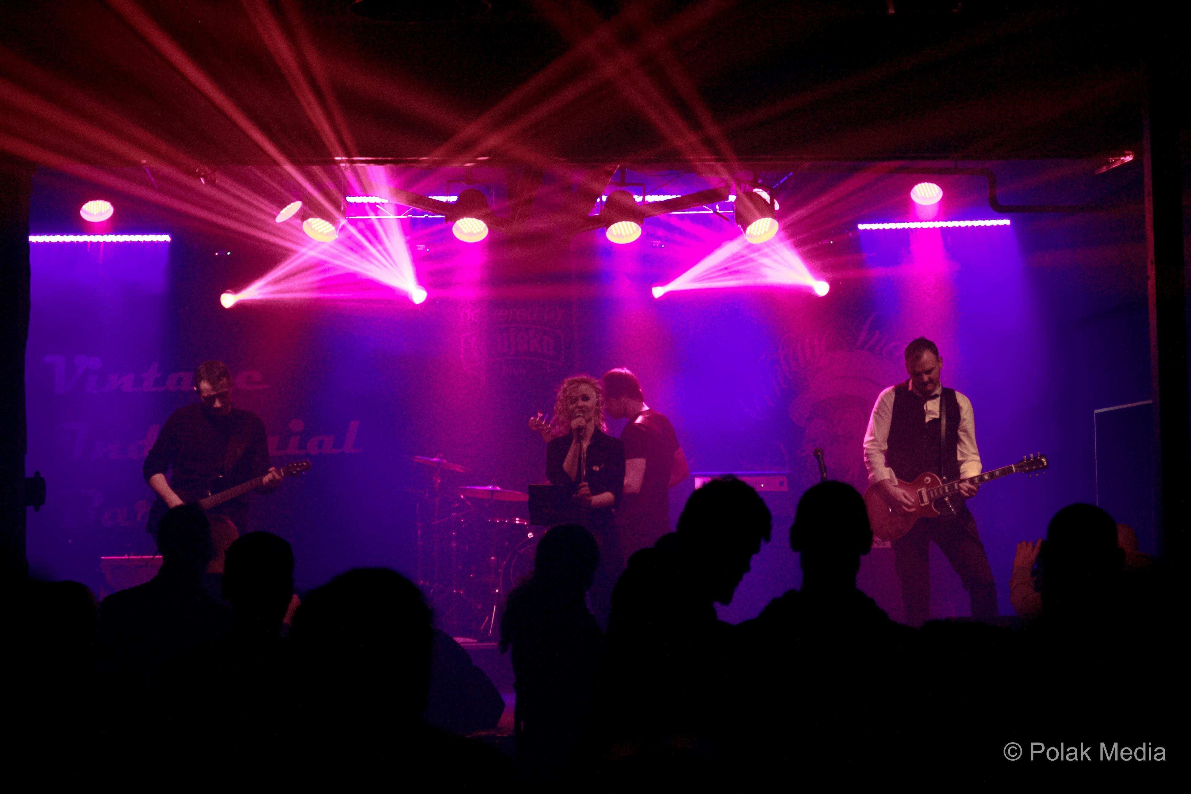 Markiz publici koncertno predstavio i poklonio novi album