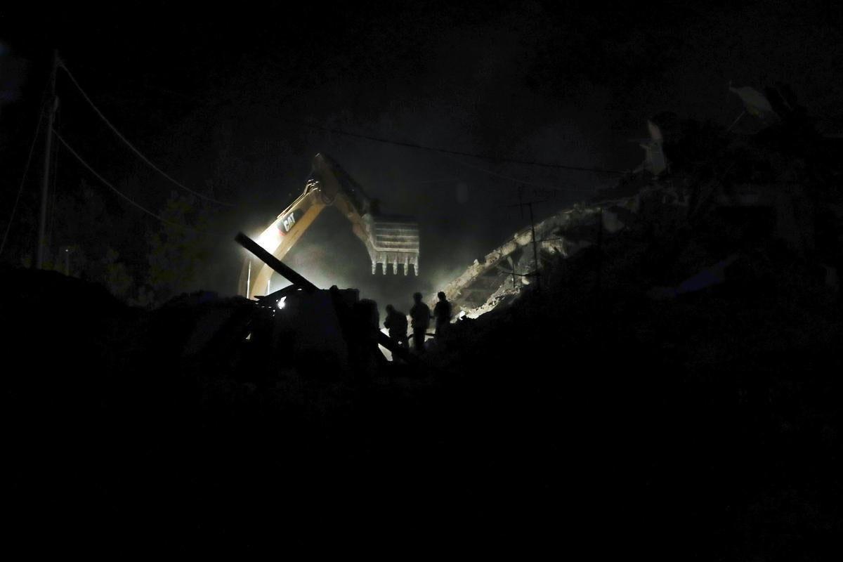 82981f5cd1104b2a9ece000f97afdd53 82981f5cd1104b2a9ece000f97afdd53 0 - A 6.2 earthquake rattles Italy