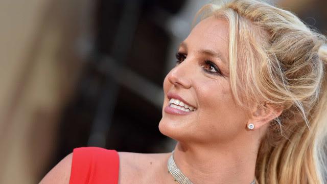 Britney Spears: Famosos e anônimos celebram após pai deixar tutela da cantora