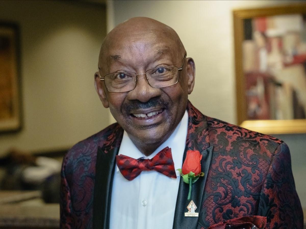 Dr. Reginald Bess Headshot