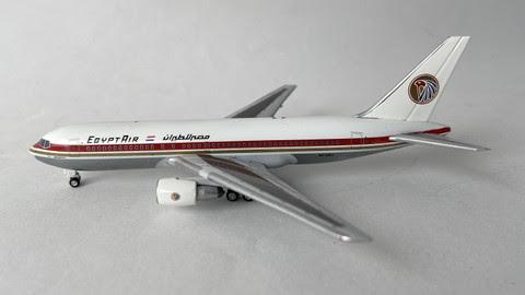 AC419437A | Aero Classics 1:400 | Boeing 767-200 Egyptair old colours SU-GAJ
