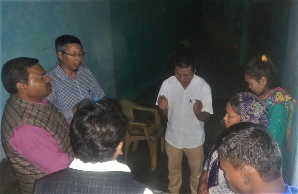 A pastor prays with ADF-India team after his release from jail in Mirzapur, Uttar Pradesh, India in November 2019. (Morning Star News)