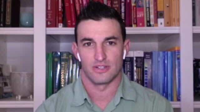 Médico judeu salva infectado pela Covid-19 que tinha tatuagens nazista