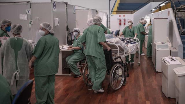No auge da pandemia, quase 20 medicamentos de UTI estão prestes a acabar