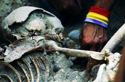 El banco de ADN o la exhumación de cuerpos, en el aire tras el pacto que quiere derogar la ley de memoria andaluza