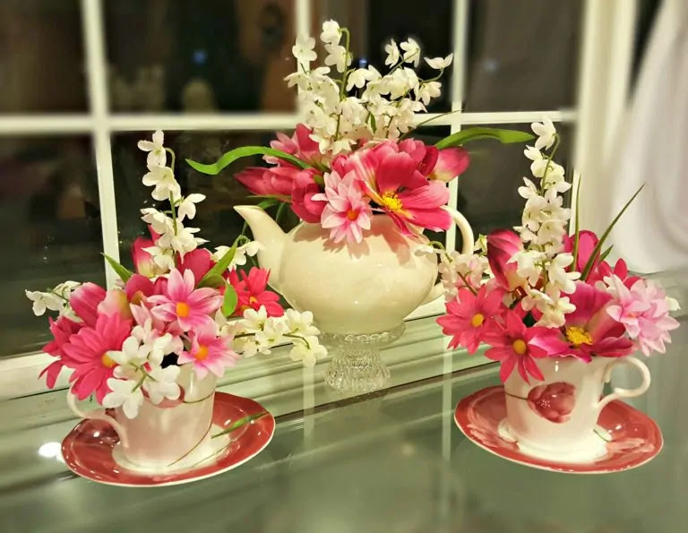 making a floral centerpiece from a teapot