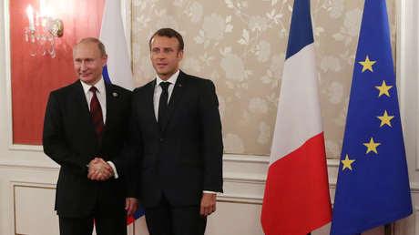 El presidente de Rusia, Vladímir Putin, y el de Francia, Emmanuel Macron, durante una reunión en Osaka (Japón), el 28 de junio de 2019.