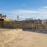 united_states_-_mexico_ocean_border_fence_15838118610-1