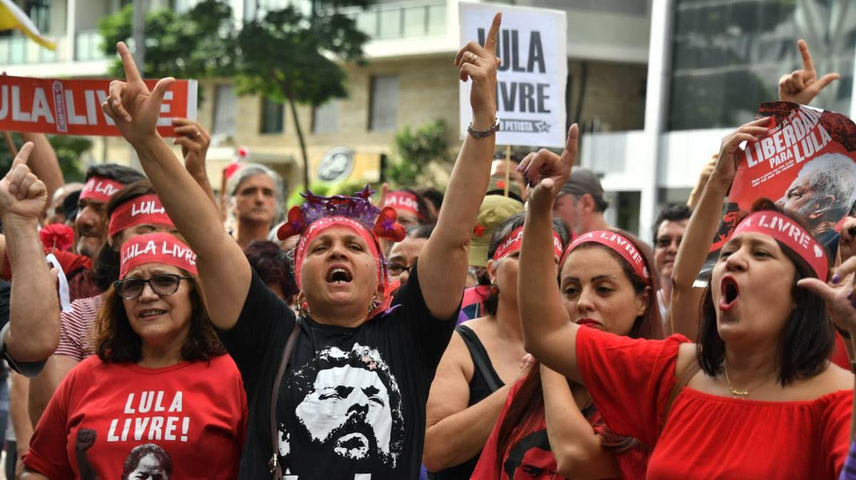 ANÁLISE | Marielle e Lula, esquerdas separadas nas ruas