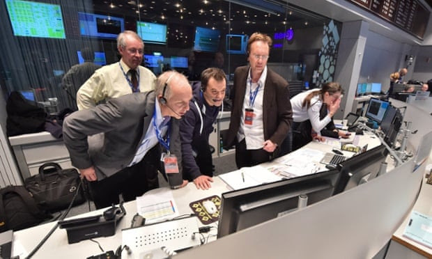 Staff at the European Operations Space Centre in Darmstadt, Germany on November 12, 2014 during the landing of the Philae craft