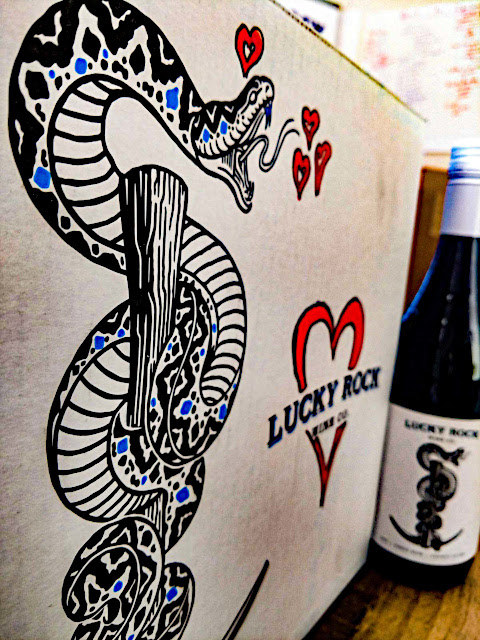 Luv Lucky Rock                                                   Pinot Noir