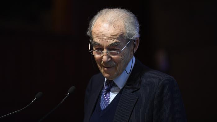 """VIDEO. Mort de Simone Veil : Robert Badinter rend hommage à """"l'une des femmes les plus remarquables de notre Nation"""""""
