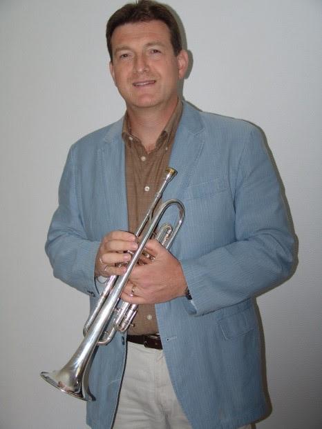 Rob Balfoort dirigent grote orkest Harmonie Katwijk
