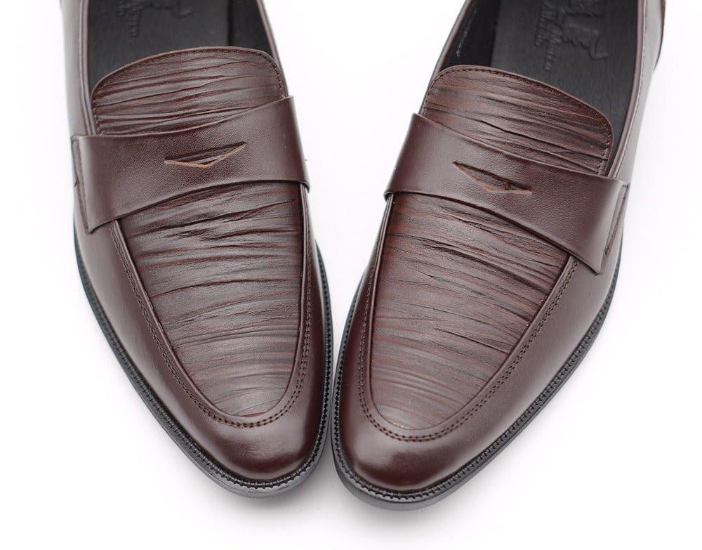 Giày Da Saffiano – Biểu tượng của Thời Trang và Chất Lượng