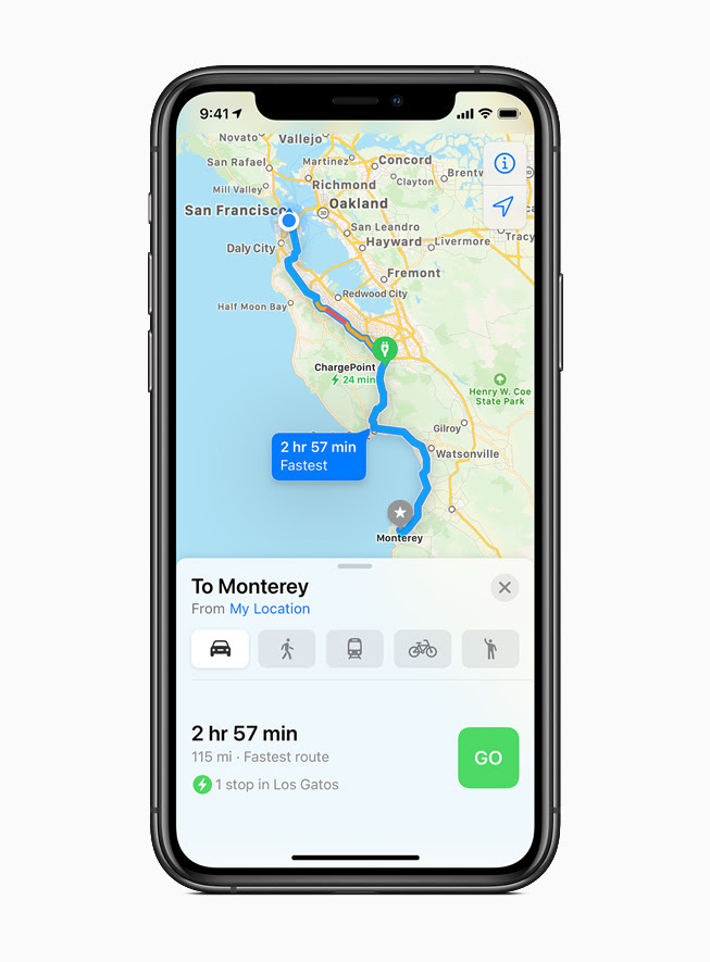 iPhone 11 Pro 上顯示「地圖」的電動車路線。