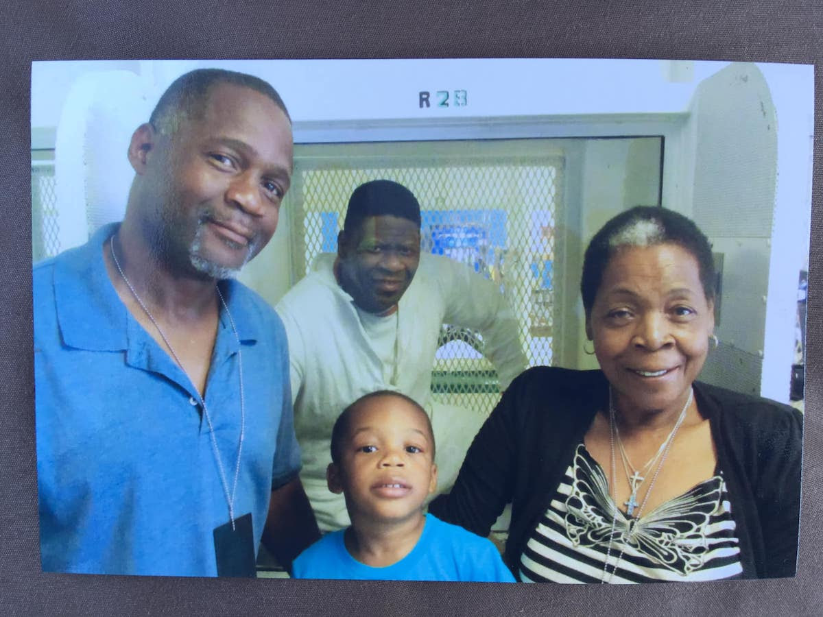 Rodney Reed with his brother Rodrick, nephew Rodrick Jr., and mother Sandra Reed at the Allan B. Polunsky Unit, West Livingston, Texas in 2019. Photo courtesy of the Reed Justice Initiative.