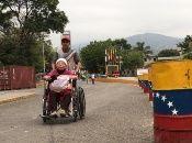 La medida, que fue ordenada por el presidente Nicolás Maduro, entró en rigor este lunes, luego que el 22 de febrero Colombia cerrara la frontera con Venezuela, medida que posteriormente también aplicó el Gobierno venezolano.