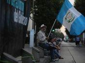 Mientras las denuncias por corrupción se acumulan en Guatemala, el éxodo de migrantes hacia Estados Unidos crece.