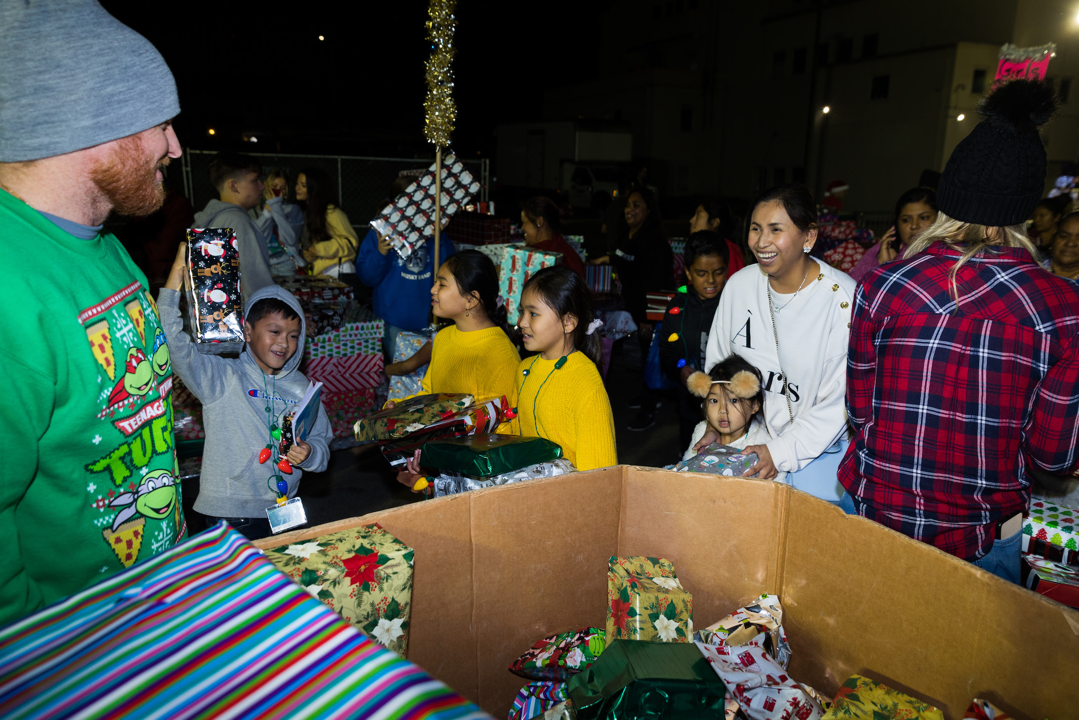 JT giving presents-2 .jpg