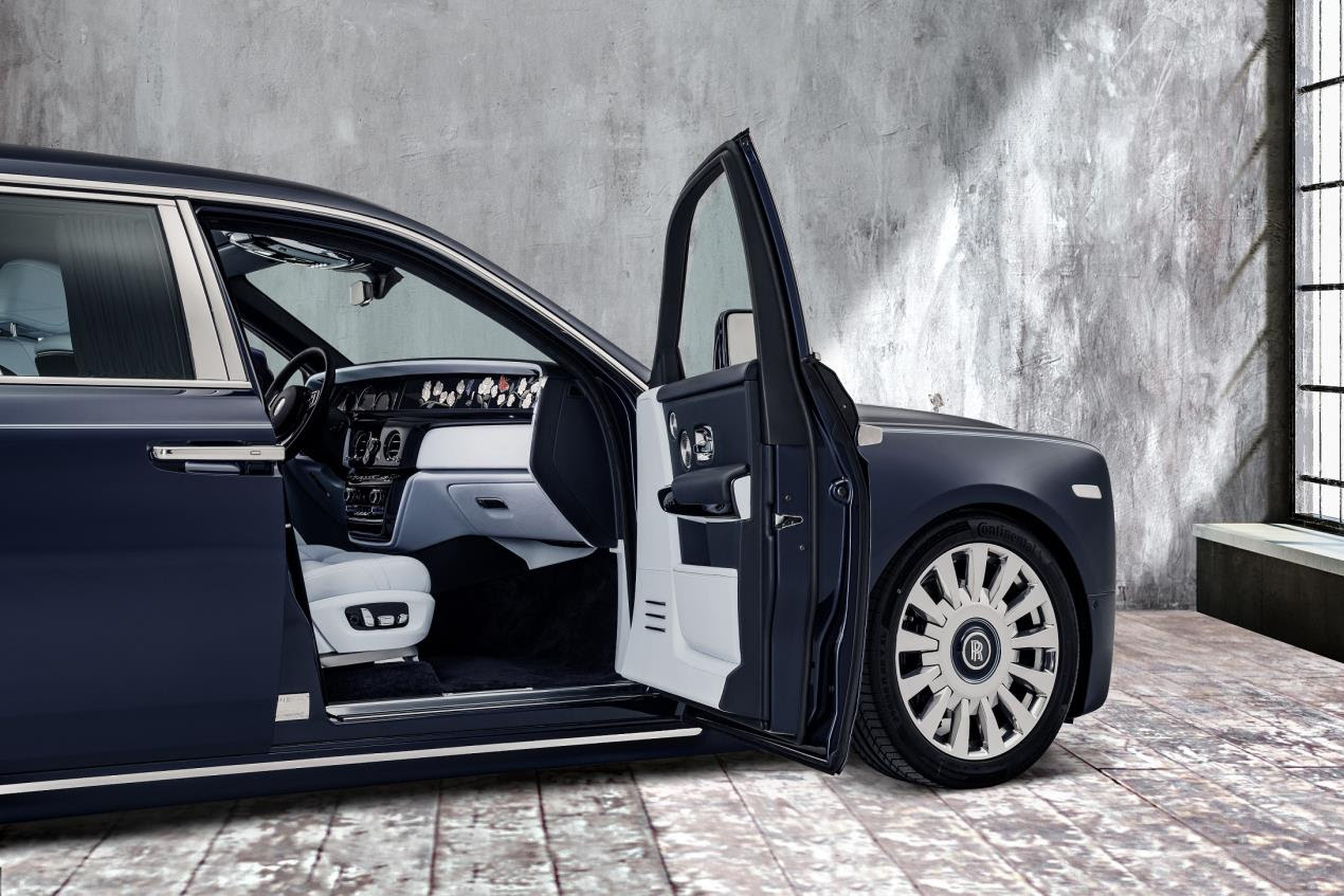 Rolls Royce Rose Phantom__R3QCloseDoorOpen_Base_Image courtesy Rolls-Royce Motor Cars