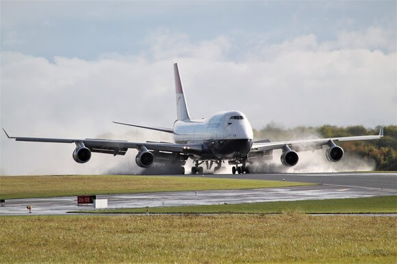 747 at Cotswold Airport