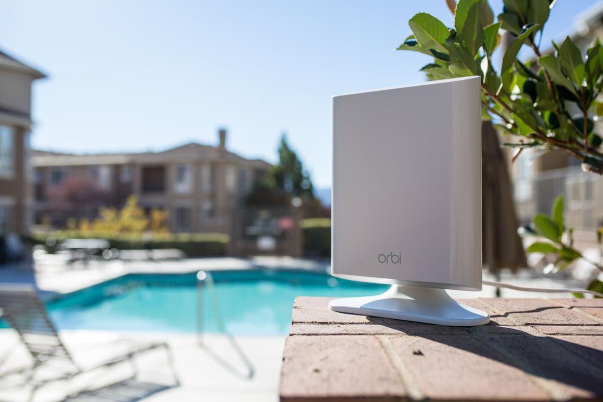 PD95lkag.135625 NETGEAR invite le Wi-Fi à l'extérieur grâce à son nouveau satellite Orbi Outdoor
