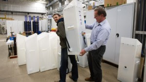Franz-Bernd Frechen - Der Professor des Fachbereiches Bauingenieru- und Umweltingenieurwesen, entwickelte mit seinem Fachbereich einen Rucksack für Wasseraufbereitung, der bereits in Krisengebieten eingesetzt wird