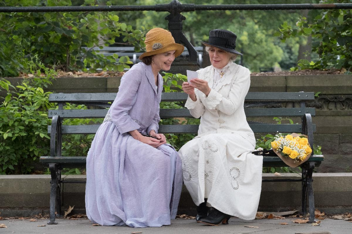 Masterpiece PBS Dramas, gifts for period drama fans, Elizabeth McGovern