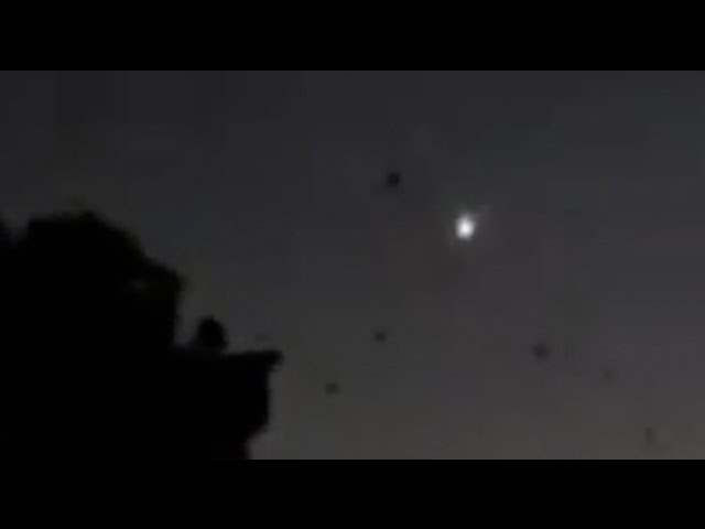 BIG Meteor SHAKES HOMES as it soars over Brisbane | Possible Impact!  Sddefault