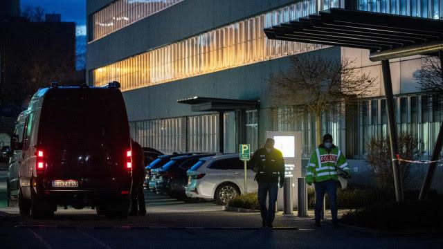 Alemanha: Explosão de carta armadilhada faz três feridos