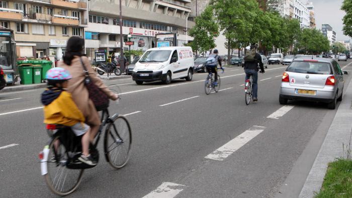 Accidents, insultes, agressions... Le quotidien sous tension des cyclistes en ville